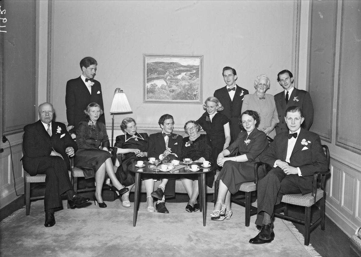 Grupp på Stadshotellet, Trädgårdsgatan 3, Uppsala 1952