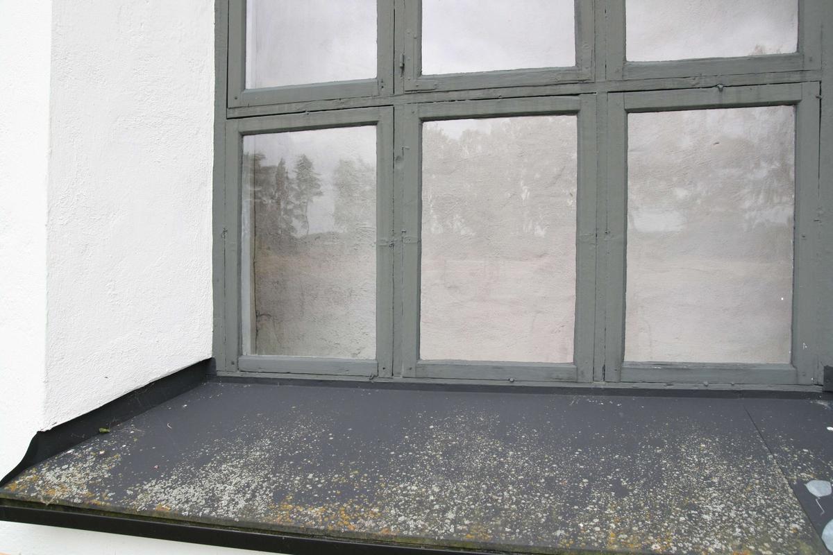 Fönster och fönsterbleck, Åkerby kyrka, Åkerby socken, Uppland 2007