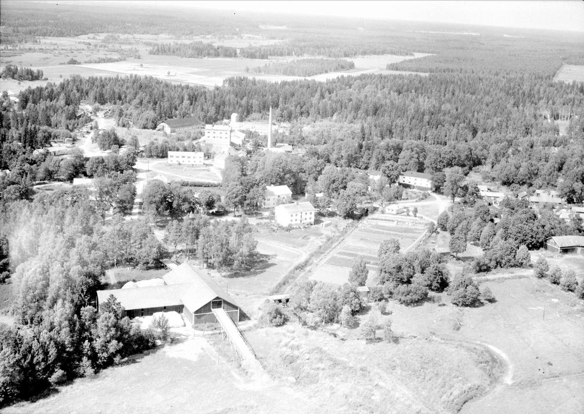 Flygfoto över Tobo bruk, Tegelsmora socken, Uppland 1947