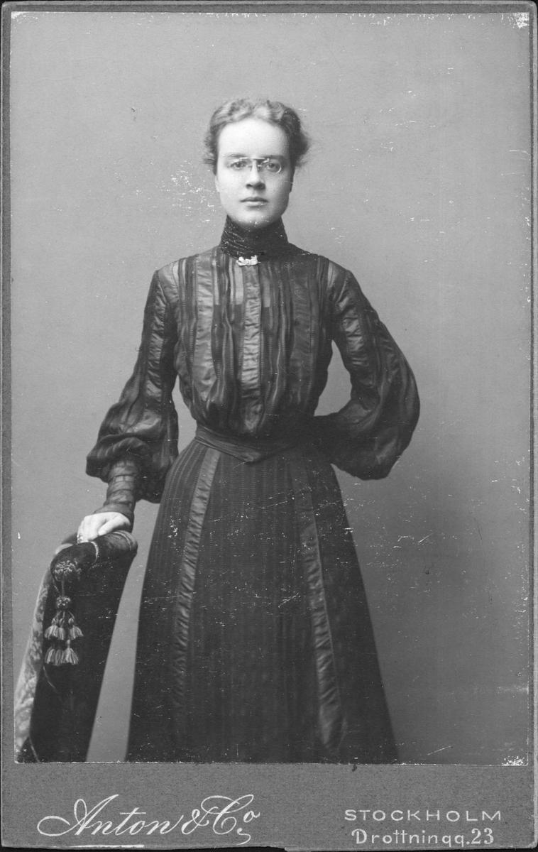 Porträtt - kvinna