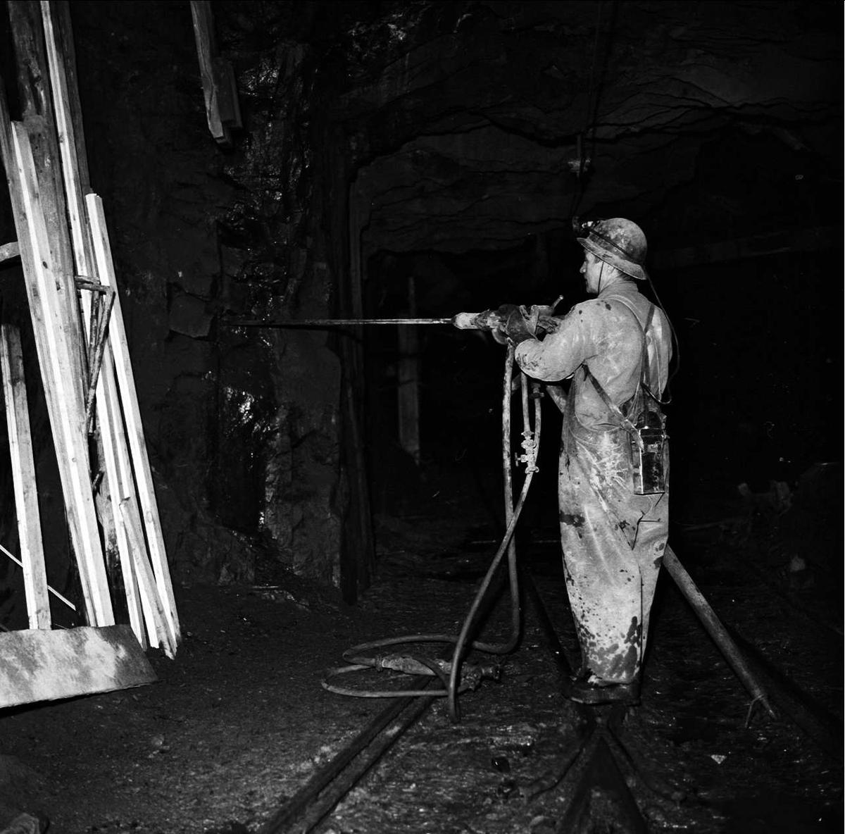 Gruvarbetare i Ramhälls gruvor, Ramhäll, Alunda socken, Uppland