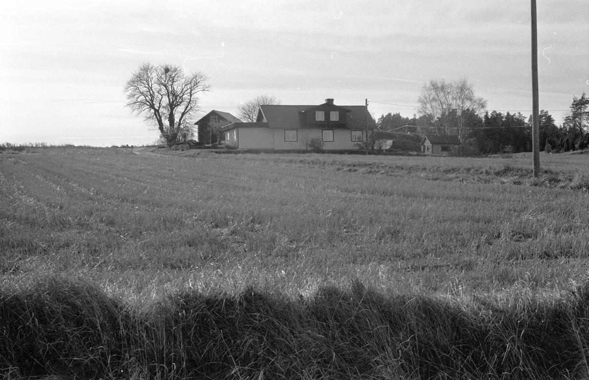 Vy över Viggeby 6:2, Dalby socken, Uppland 1984