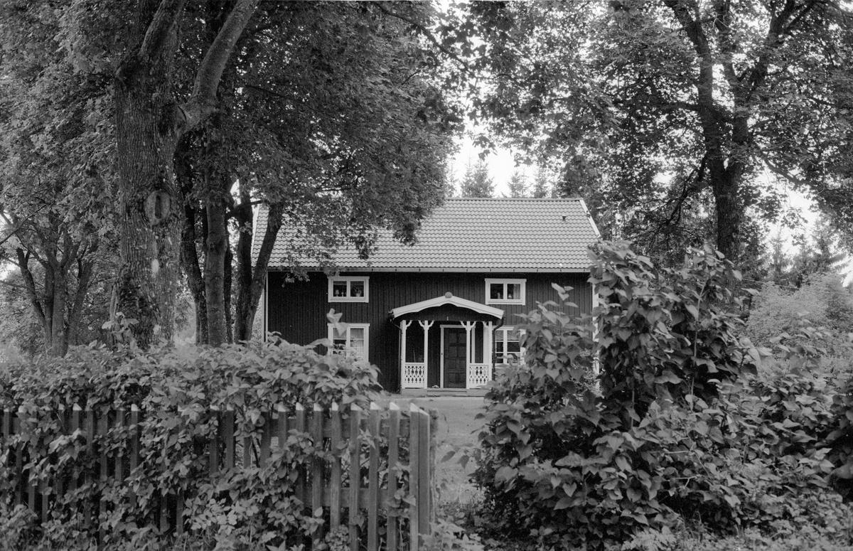 Bostadshus, Knutby-Ösby 1:9, Ösby, Knutby socken, Uppland 1987