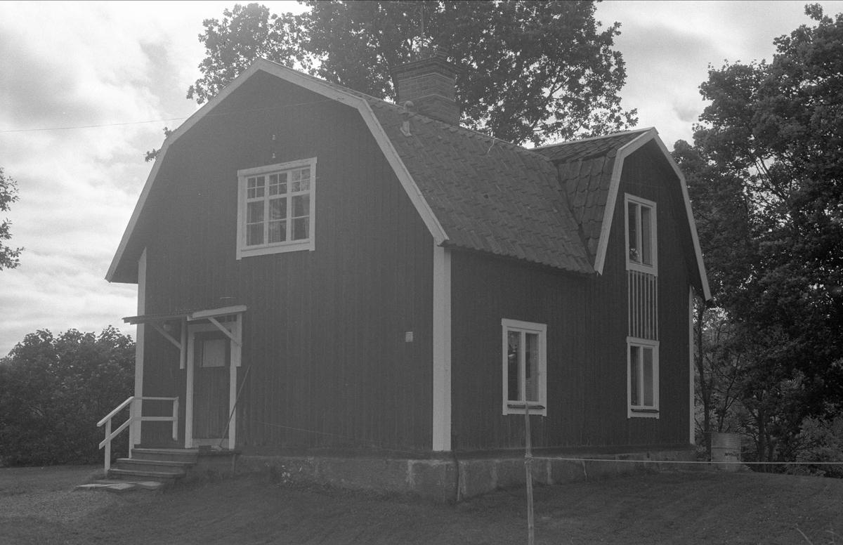 Bostadshus, Lilla Väsby 1:49, Almunge socken, Uppland 1987