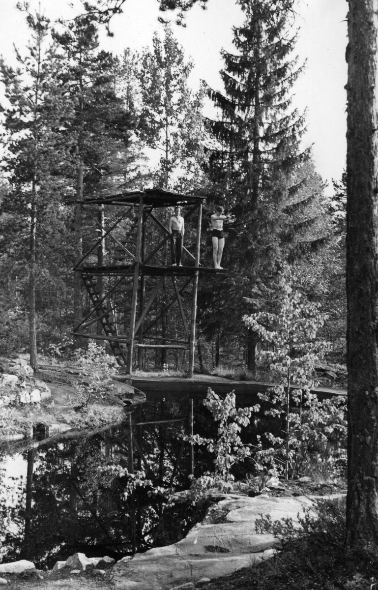 Diving tower at the Ruudhytta cabin.