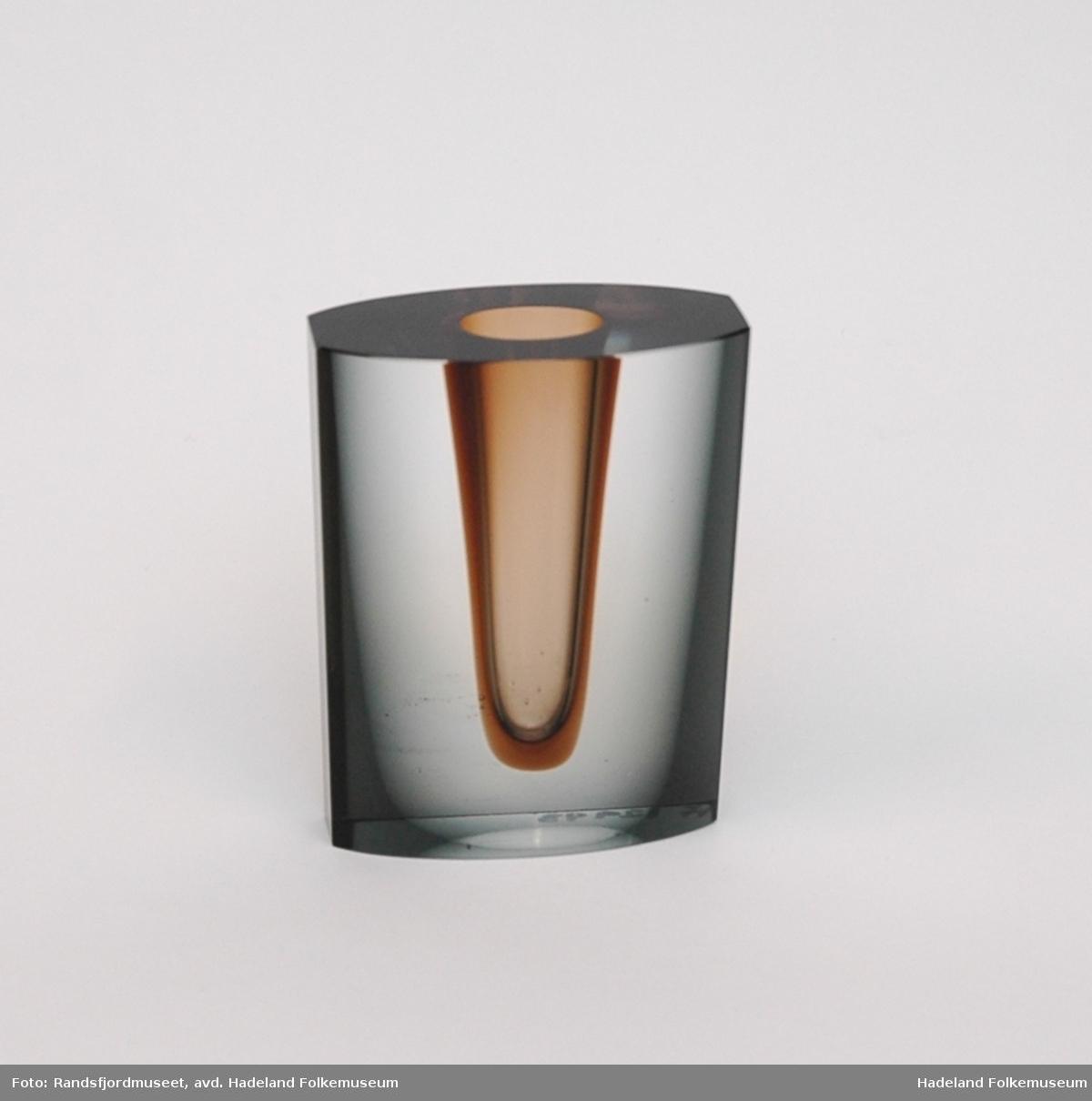Form: Oval kantet