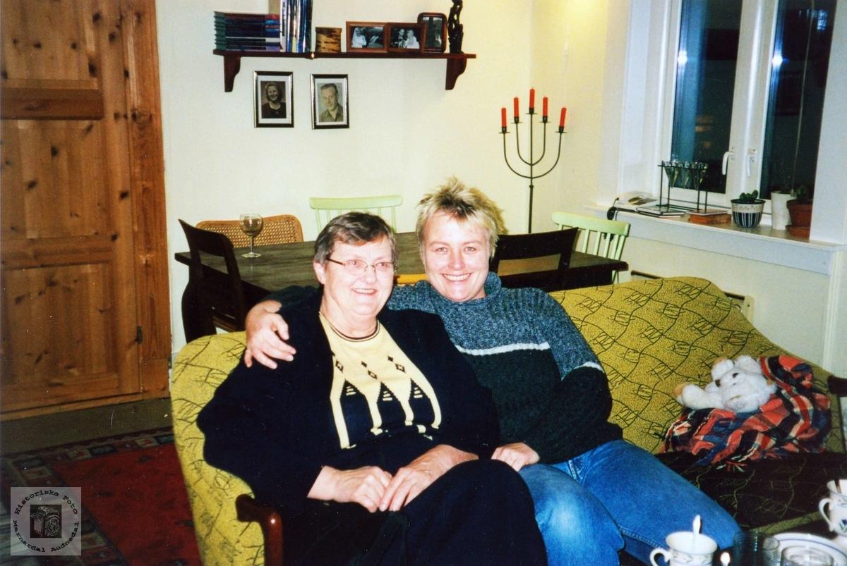 I Schweigårdsgt. i Oslo med tante Sigrid.