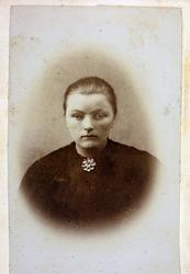 Portrett av Ingrid Øydna. Grindheim.
