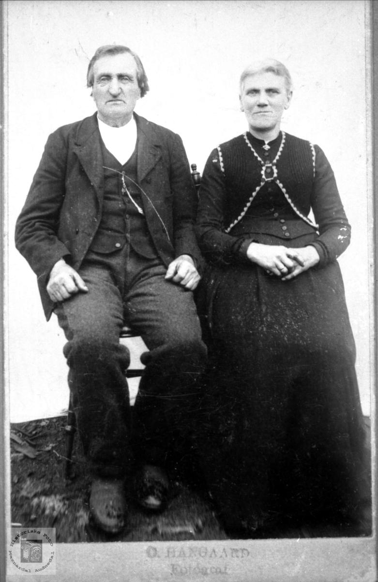 Ektepar John og Gunhild Øydne, Bjelland..