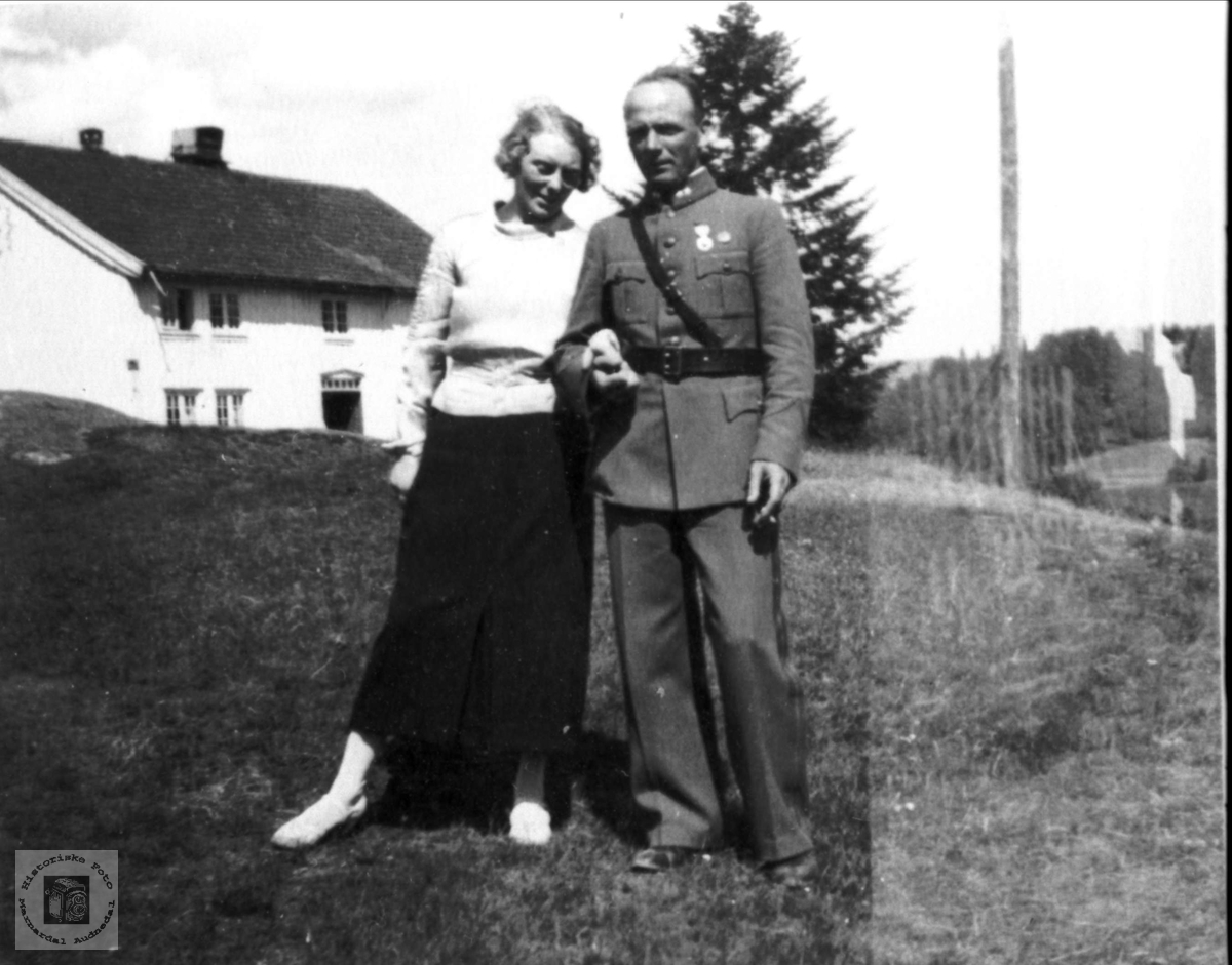 Portrett av ekteparet Astrid og Søren Skuland, Laudal.