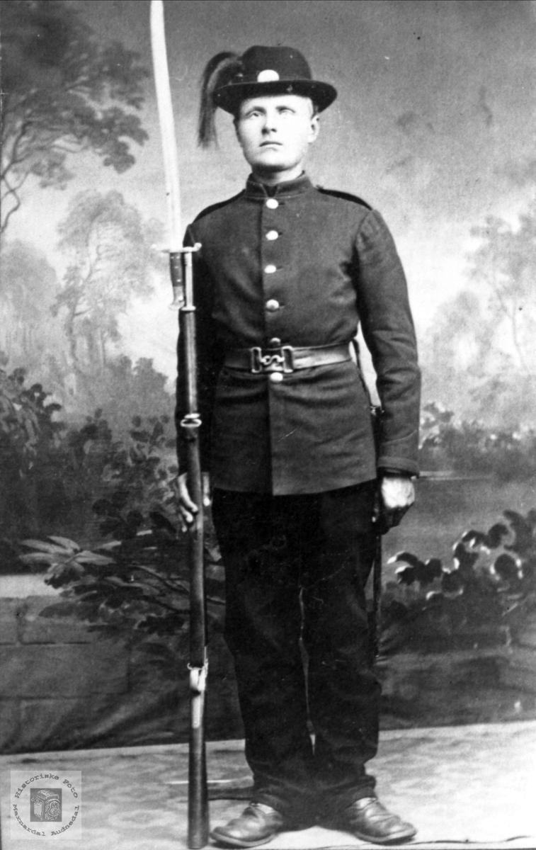 Soldatportrett av Lars Mjåland, Åseral.