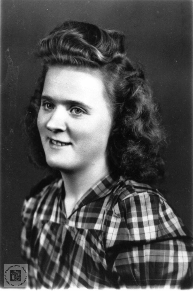 Portrett av Agnes Nygren.
