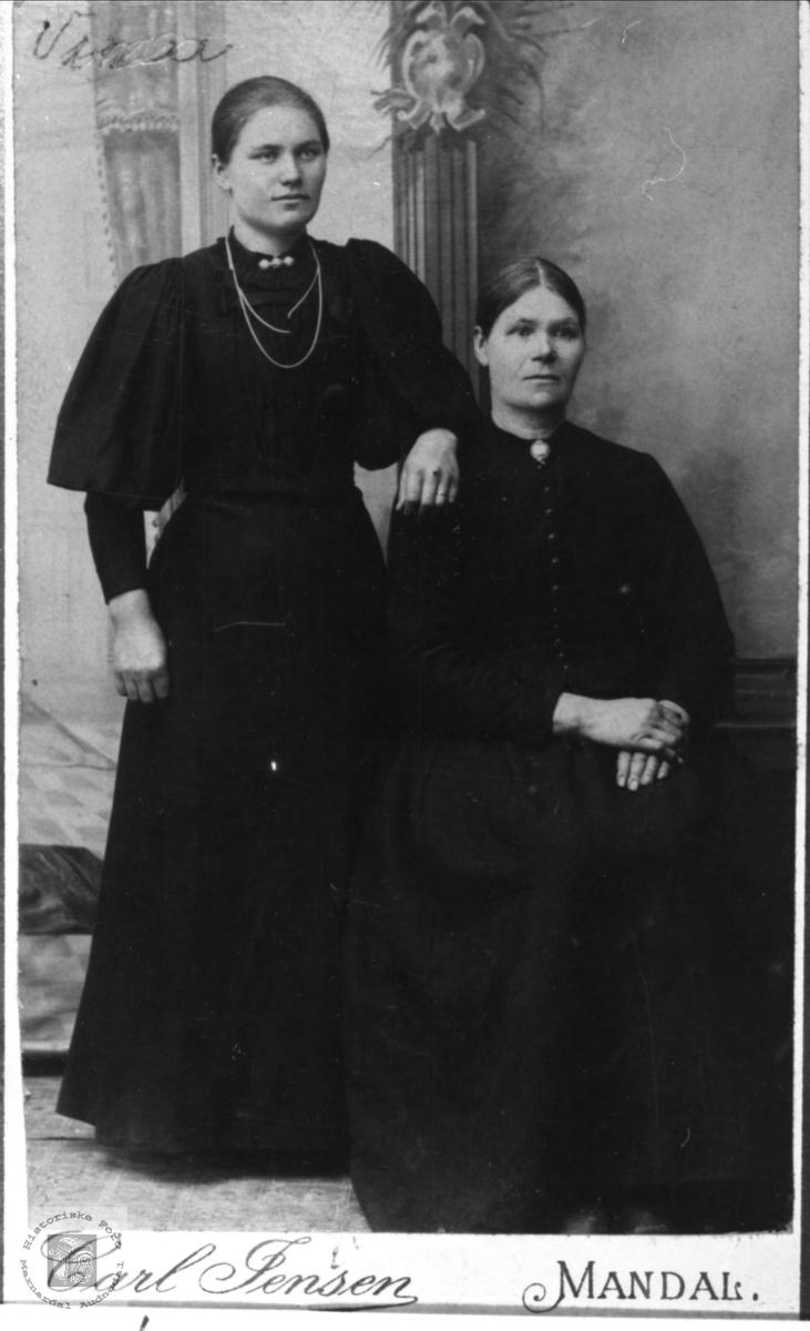Portrett av Elevine og Helene Høye