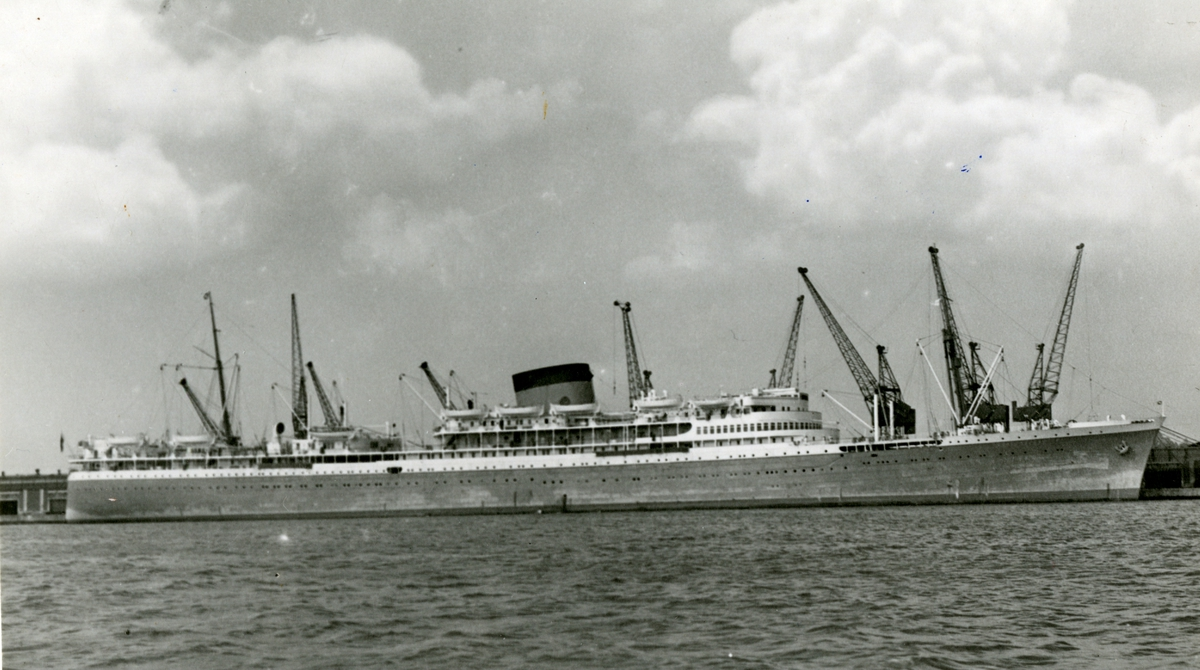 M/S Athlone Castle (b.1936, Harland & Wolff Ltd., Belfast)