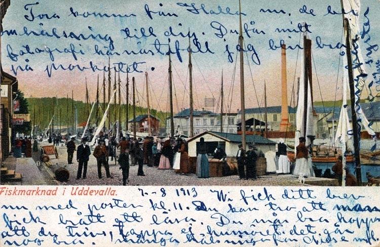 """Tryckt på kortet: """"Fiskmarknad i Uddevalla."""""""