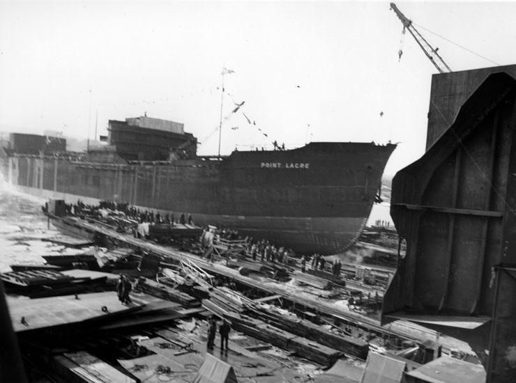 Vid sjösättningen av fartyg 125 M/S Point Lacre.