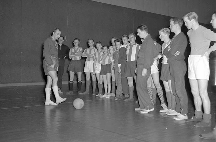 """Enligt notering: """"Gunnar Gren Träning 17/3 1949""""."""