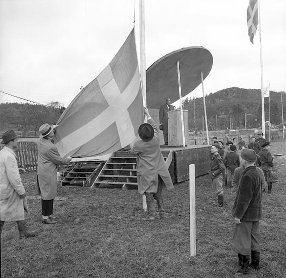 Väst-expo öppnas av borgmästare Hugo Westin 6 maj 1955