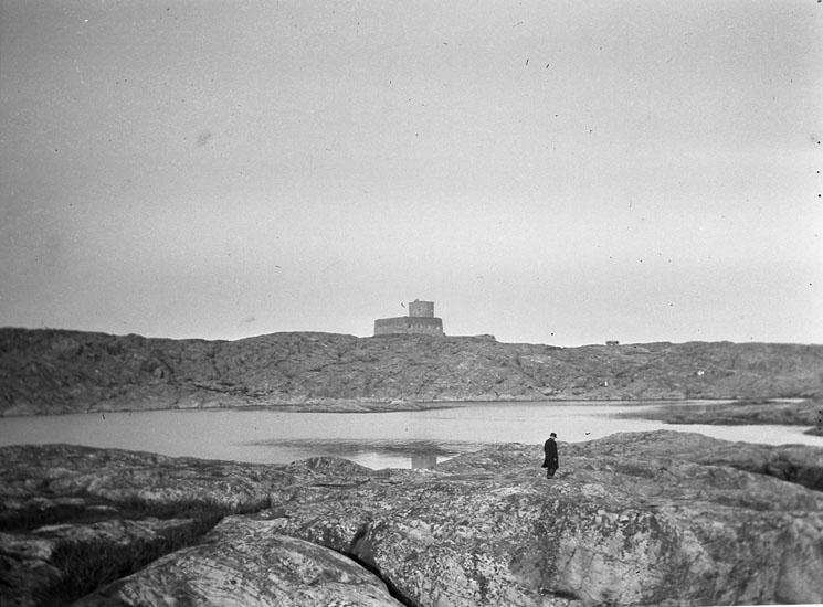 """Enligt text som medföljde bilden: """"Marstrand."""" ::"""
