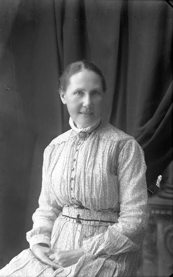 """Enligt fotografens notering: """"Fru Christensson, Ekeliden""""."""