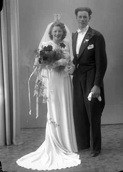 "Enligt fotografens journal nr 7 1944-1950: ""Niklasson, Herr Alb., Uxås Lilla Edet""."