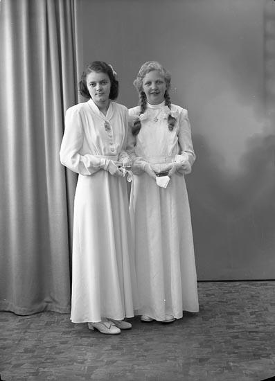 "Enligt fotografens journal nr 7 1944-1950: ""Hermansson, Gunborg o Berit Johnsson, Ödsmål""."