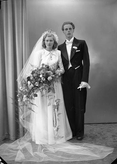"Enligt fotografens journal nr 7 1944-1950: ""Helander, Herr Hans Wallenbergsg. 3 Gbg""."