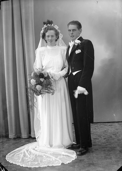 """Enligt fotografens journal nr 8 1951-1957: """"Johansson, Herr Reimar, Kyrkenorum Här""""."""