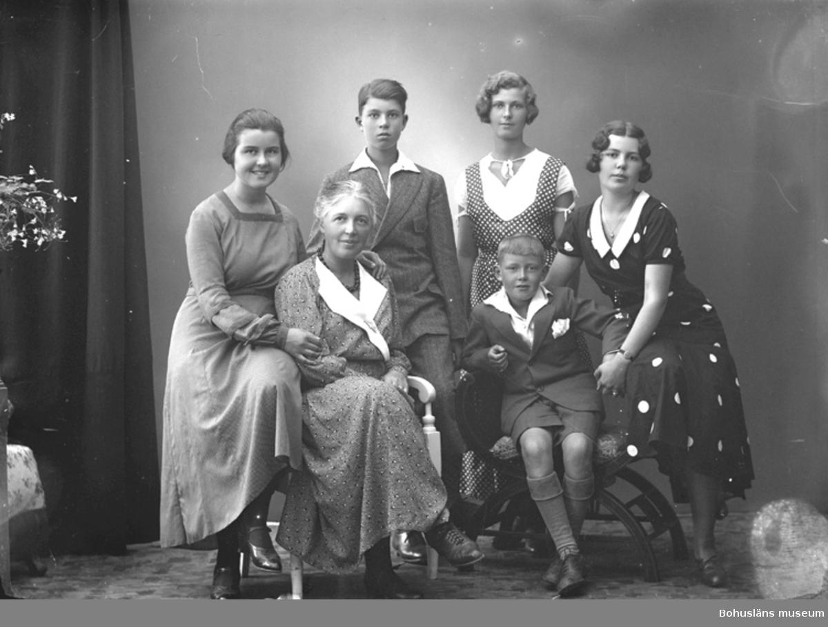 "Enligt fotografens journal nr 6 1930-1943: ""Hagard, Fru Sigrid, Kungsladugård""."