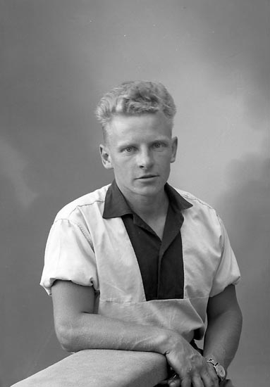 "Enligt fotografens journal nr 9 1958-: ""Olsson, Herr Ingvar Kleva, Spekeröd""."