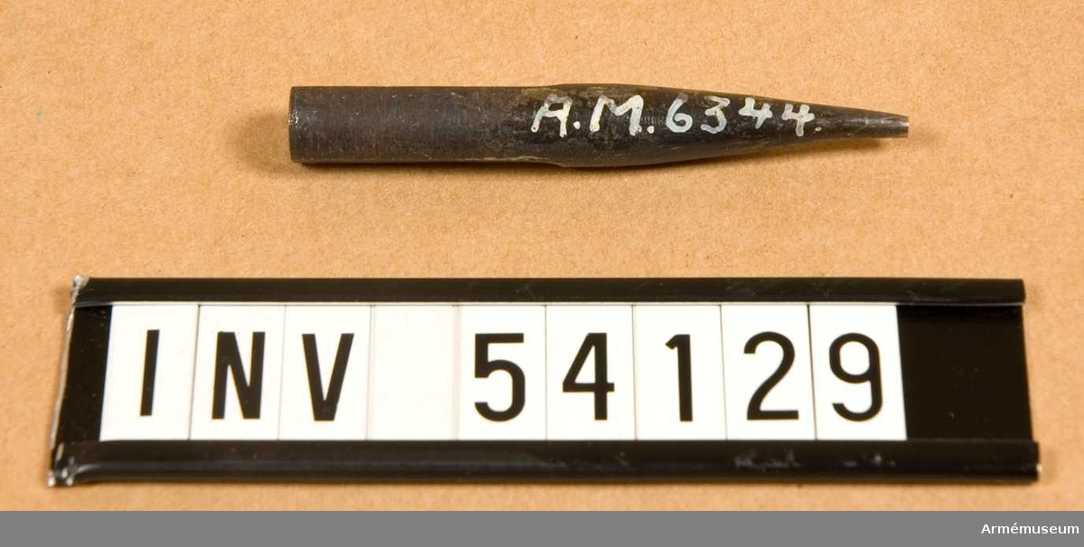 Grupp E VIII.  ngår i en sats verktyg för ställning av 10,15 mm kammarskjutningsgevär m/1884.