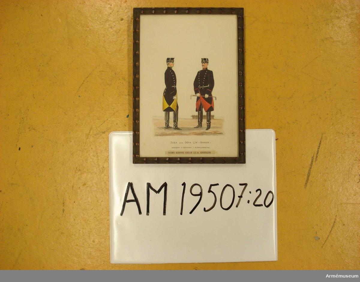 Grupp M I.   Serie med uniformsbilder för Andra livgardet resp Göta livgarde under 1800-talet.   Underlöjtnant o Löjtnant i släpmundering. Under konung Oscar II regering