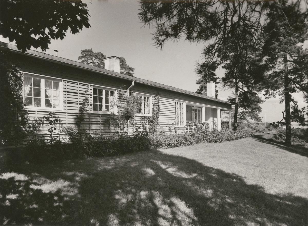 """Villa """"Fiskeskjær"""" [Fotografi]"""
