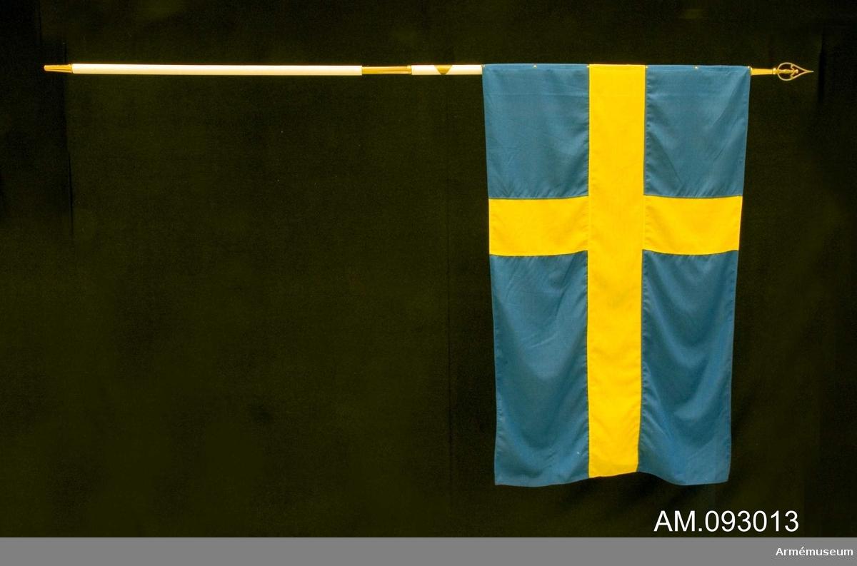 Mottagen 1986 av Stiftelsen Sveriges flaggor.