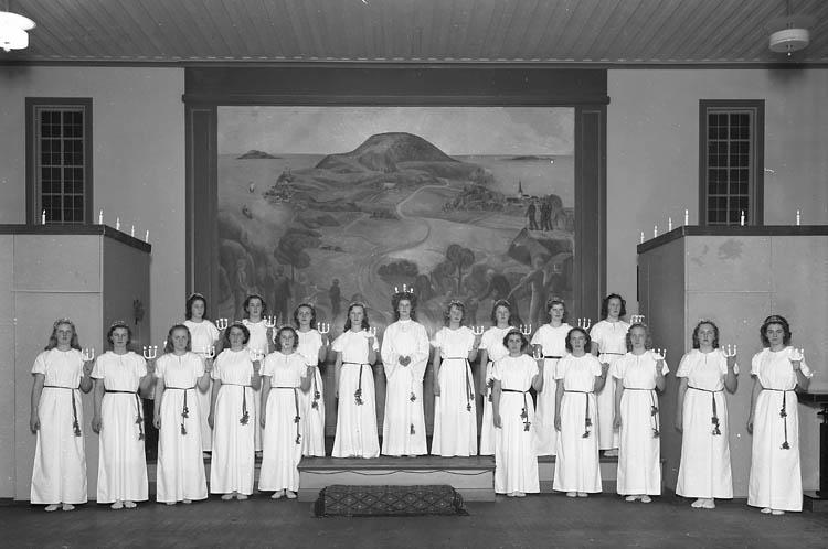 Lucia med tärnor år 1939