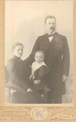 Familjepporträtt samt enskilda porträtt. Albert Nordenfors (