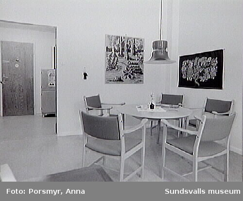 Dokumentation av f.d. Sidsjöns sjukhus,Sundsvall, inför publikation och utställning,producerade 1993