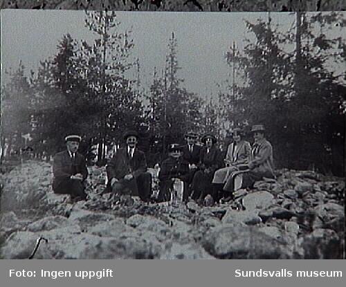 Henry och Torild Grönlunds föräldrar.