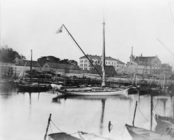 "Kongens yacht ""Svalen"" ved Revierbrygga."
