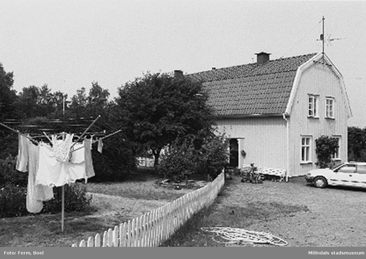 Bostadshus.Lunnagården i Balltorp 1992-06-30.
