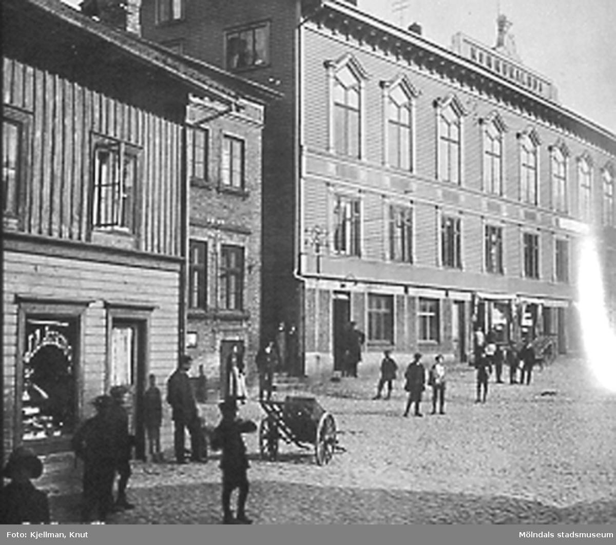 Gamla torget, Kvarnbygatan 39, 41 och 43 (Viktualieföreningens hus låg på nr 41).