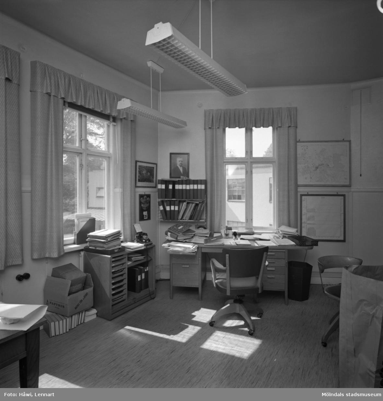 Interiörbild från Papyrus i Mölndal, 25/5 1964. Kontor.