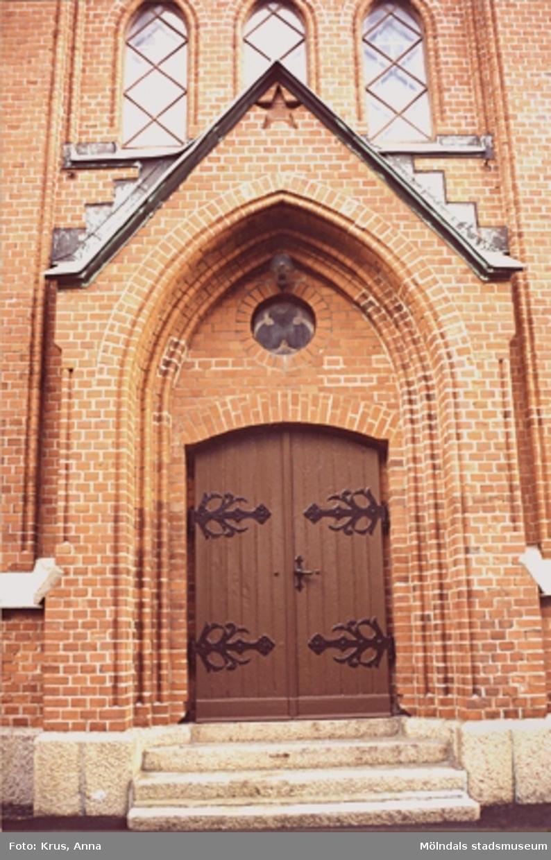 Fässbergs kyrka - entré.