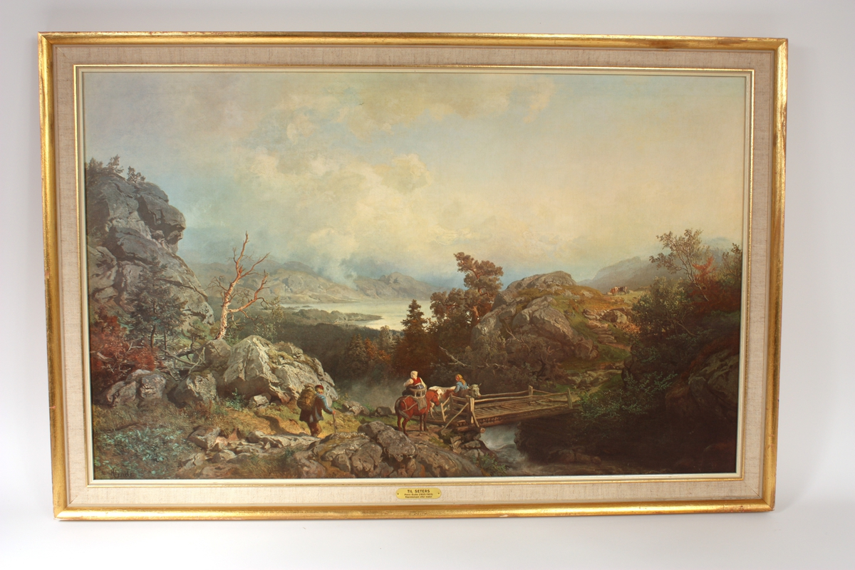 tre personar og dyr over ei bru i eit landskap