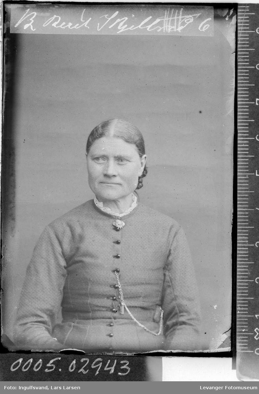 Portrett av kvinne .