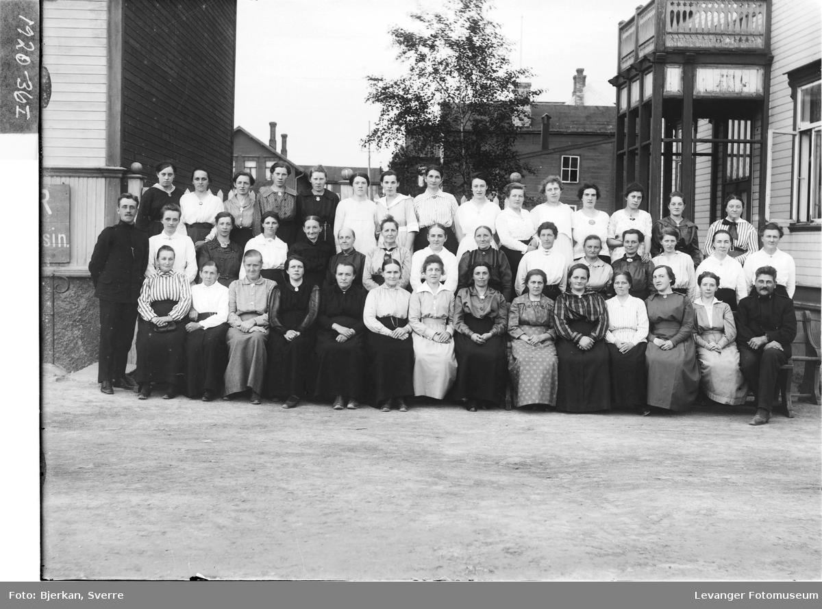 Frelsesarmeens kvinneforening i Levanger