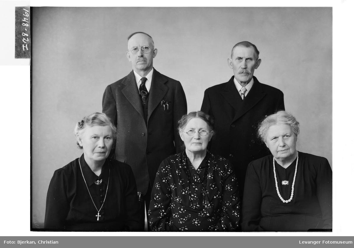 John Kjølås med søsken