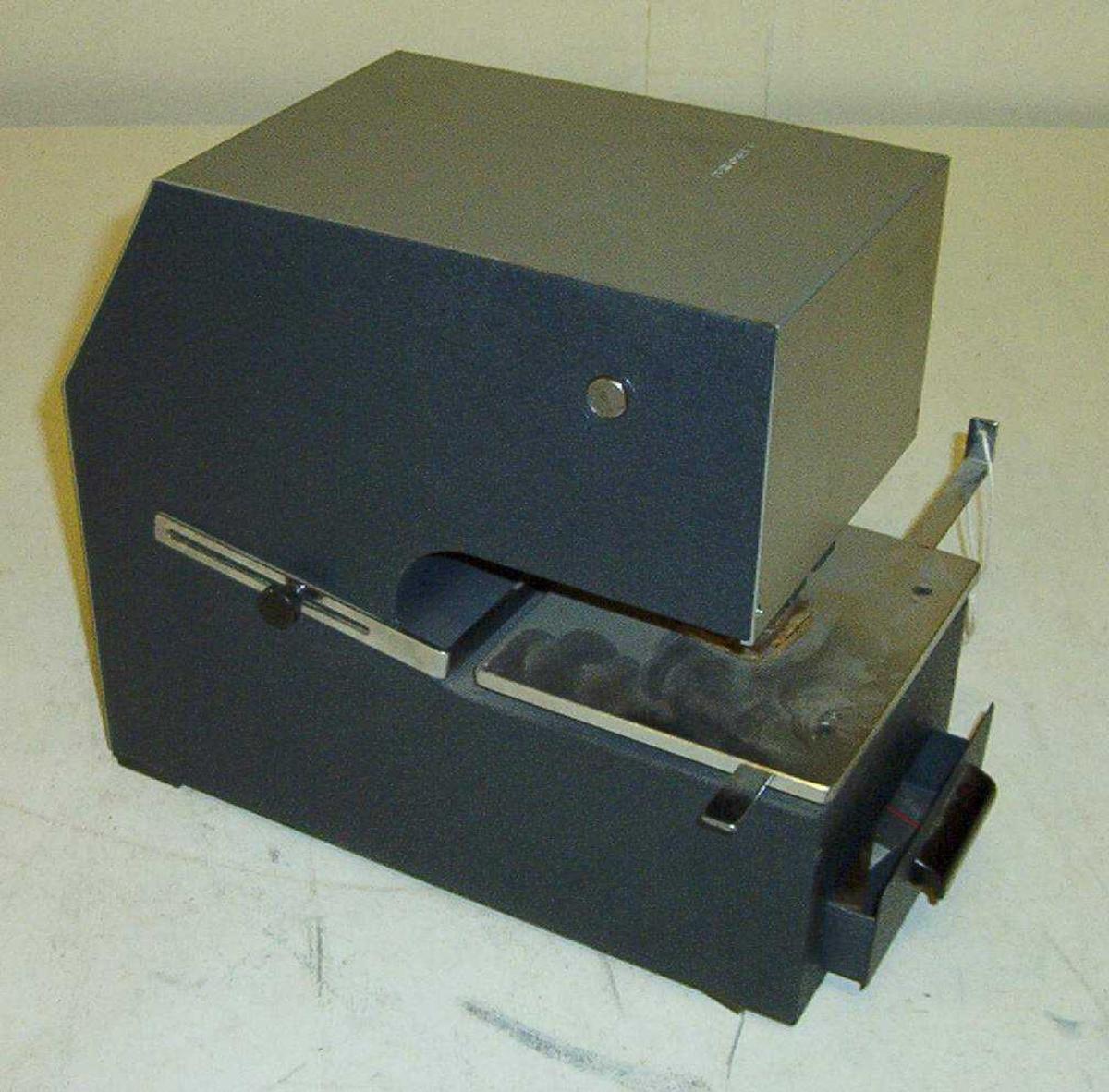 Prege- og nummereringsmaskin