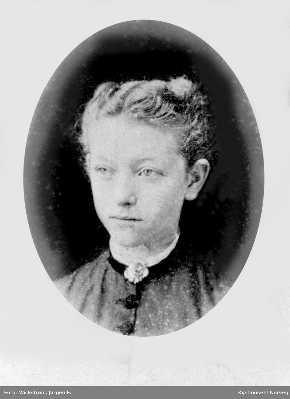 Portrett av ung ukjent dame