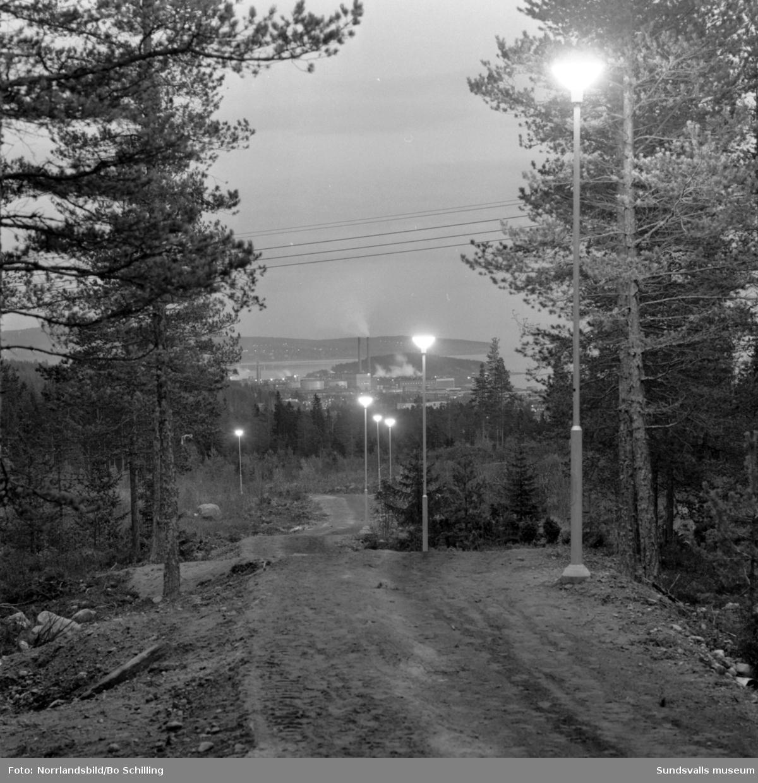 Elljusspåret vid Baldershov, dag- och kvällsbilder.